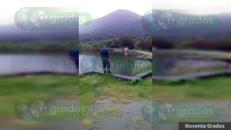 Saturación de presa en Zitácuaro provoca inundaciones