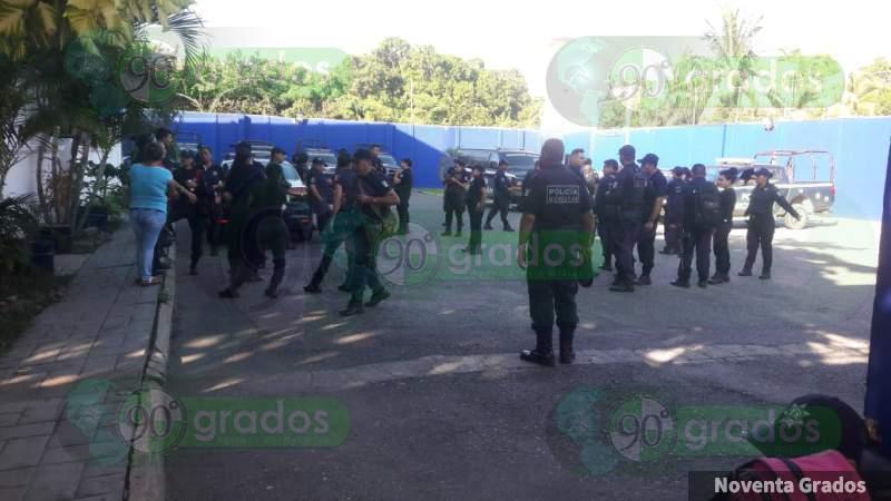 Policías de Lázaro Cárdenas en paro por ratificación del Director de Seguridad Pública