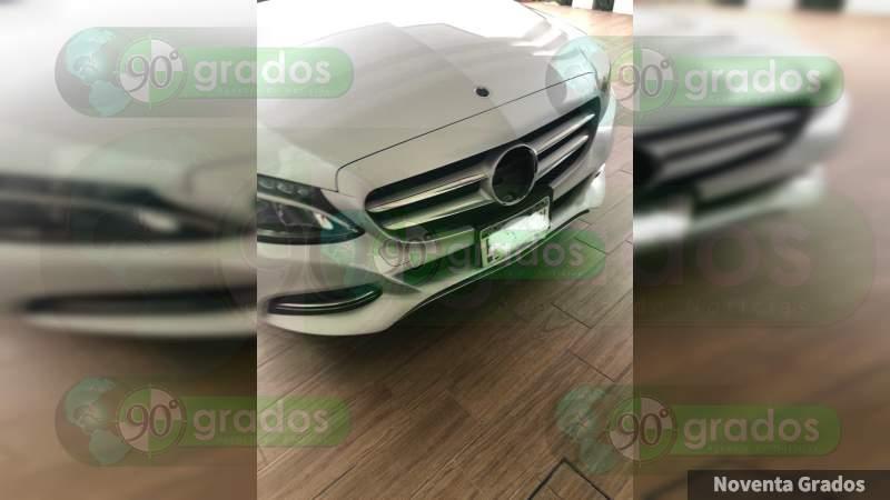Ladrones de emblemas de coches operan en el Centro Histórico de Morelia