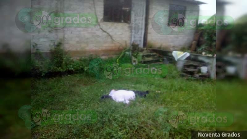 Encuentran muerto a un hombre dentro de una casa en Zitácuaro