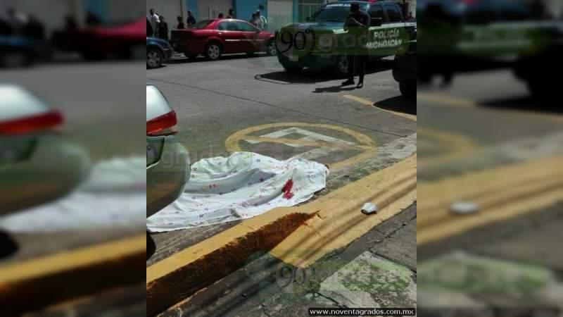 Muere sujeto al caer de camión en Comonfort, Guanajuato
