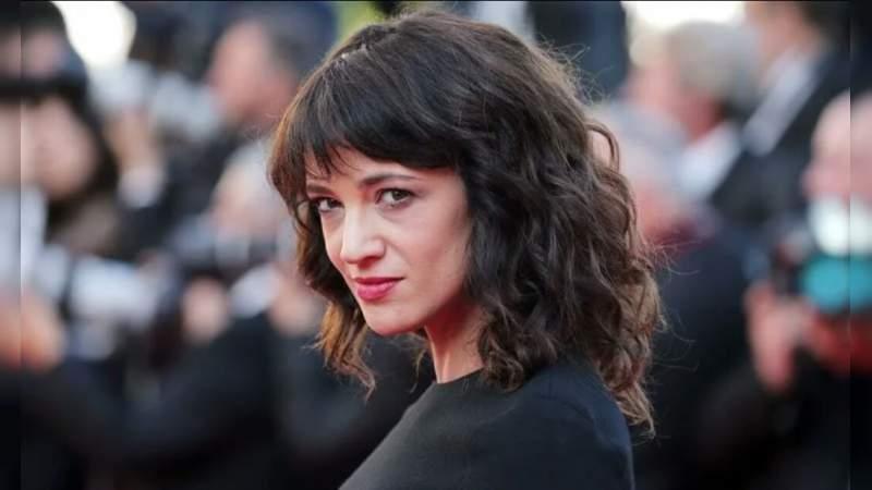 La actriz Asia Argento acepta haber tenido relaciones sexuales con un menor