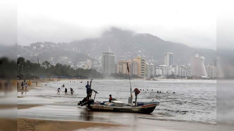 Cierran puerto de Guerrero a embarcaciones menores por mal tiempo