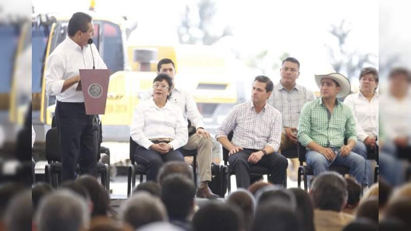 Este lunes Enrique Peña inaugura tramo carretero en Sahuayo; Aureoles Conejo confía que Michoacán tendrá mismo apoyo con AMLO