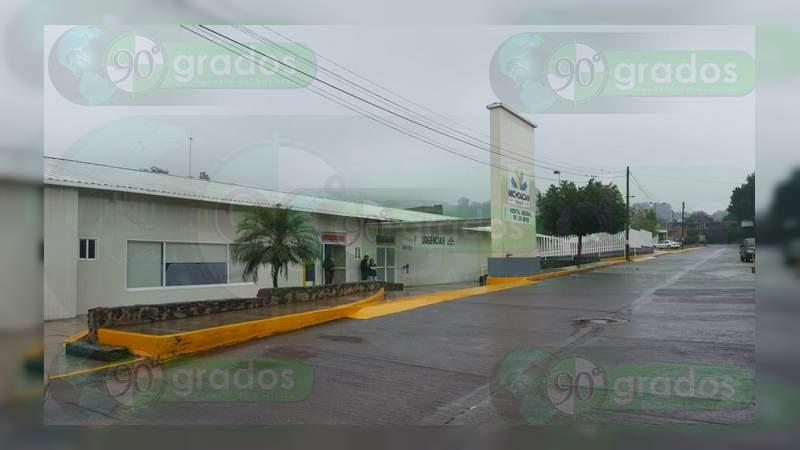 Asaltan a médicos en la carretera Uruapan - Los Reyes