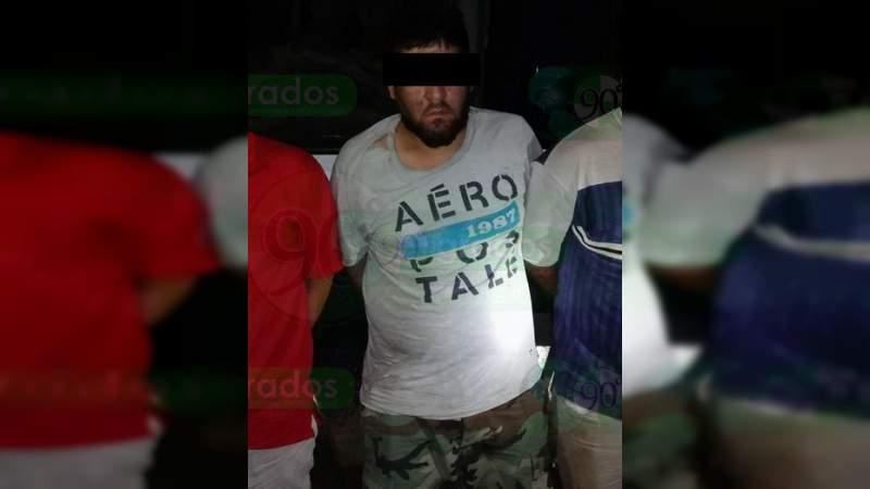"""Detienen a tres en Nocupétaro, Michoacán; uno habría matado al jefe de plaza """"La Maribel"""""""
