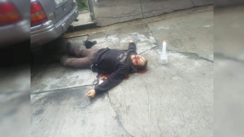Lo ejecutan armados en motocicleta en Uruapan, Michoacán