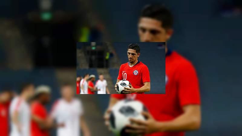 Bajo nivel de Diego Valdés, medio ofensivo de Monarcas, con la Selección de Chile