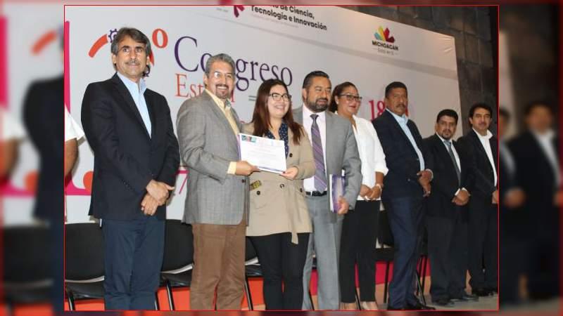 Ganan estudiantes de la UMSNH Premio Jóvenes Investigadores