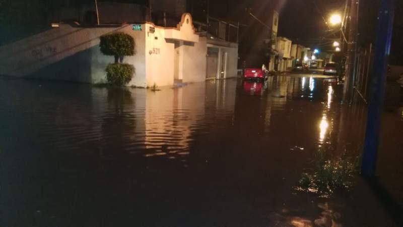 Se registran inundaciones en colonias de Morelia