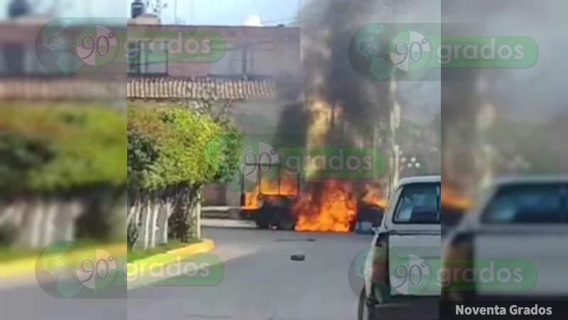 Incendian patrullas afuera de alcaldía de Jerécuaro, Guanajuato