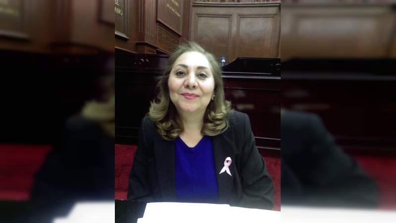 Difícil la problemática que se vive en el sector salud en Michoacán: María del Refugio Cabrera