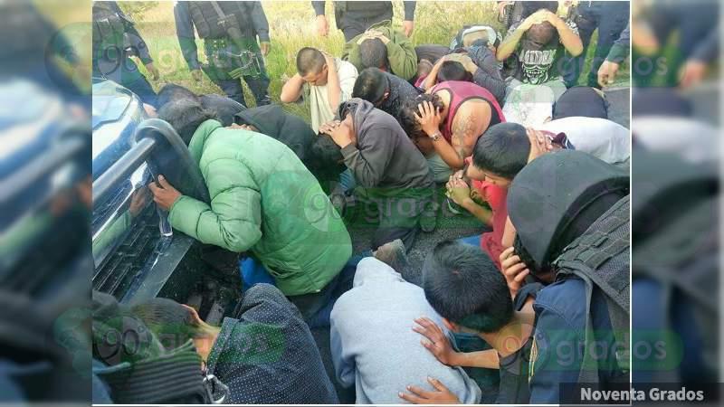 Detienen a 33 por quema de patrullas afuera de alcaldía de Jerécuaro, Guanajuato
