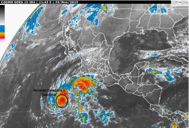Prevén evolución de Sandra en huracán categoría 3; provocará fuertes lluvias en Michoacán