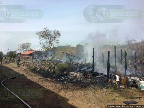 Incendio consume humildes viviendas en Morelia