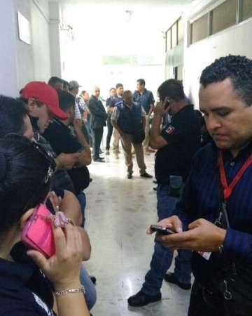 Se manifiestan ministeriales en la Procuraduría de Justicia de Michoacán; exigen pago de adeudos
