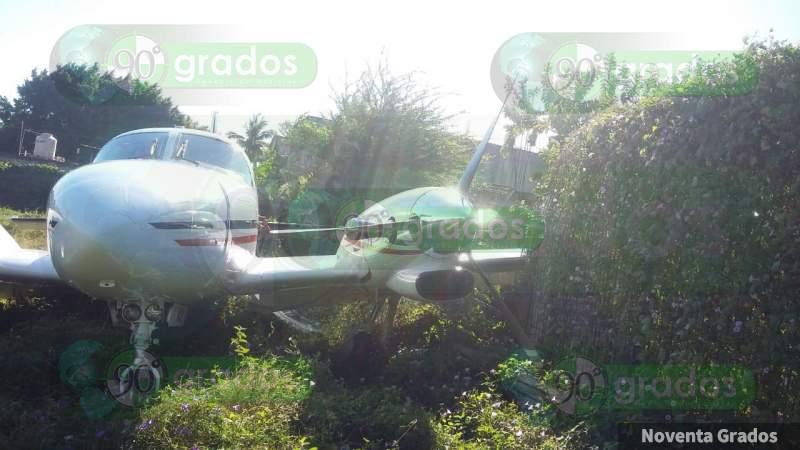 Michoacán: Cae avioneta en Coahuayana, hay un muerto