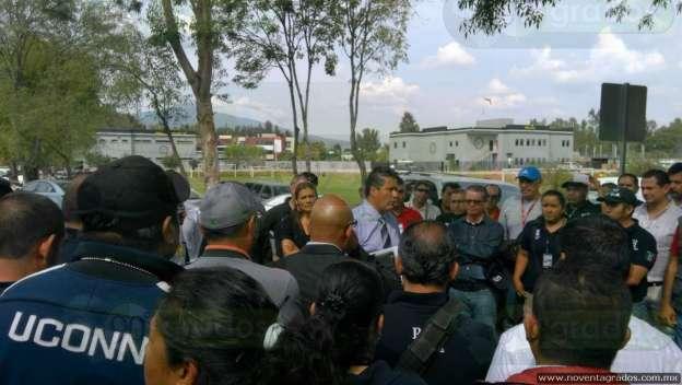 Procurador de Justicia de Michoacán amenaza a policías por exigir pago de sus salarios