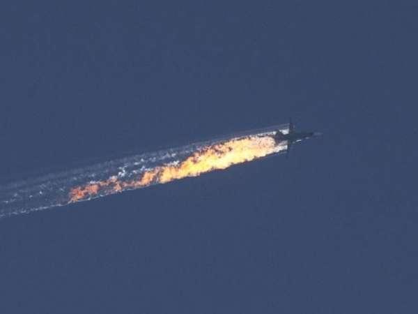 Rescatan con vida a piloto de bombardero ruso derribado por Turquía; niega violación de espacio aéreo
