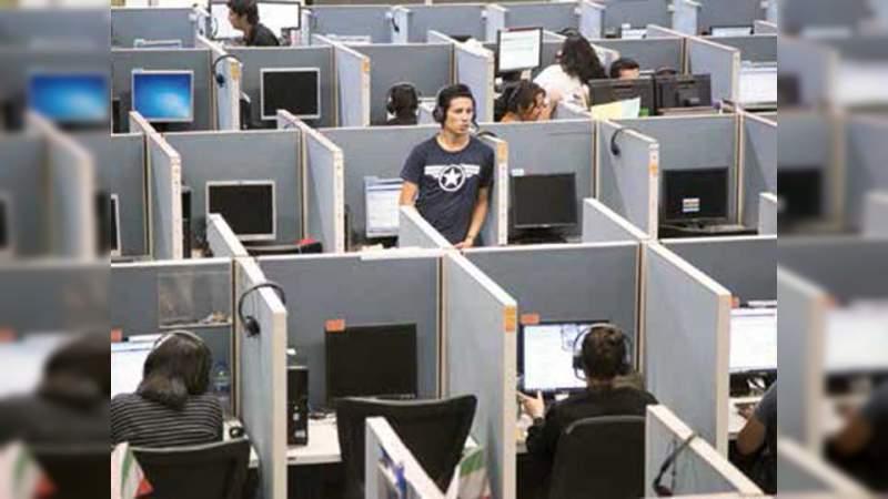 Morena arremete contra los call center
