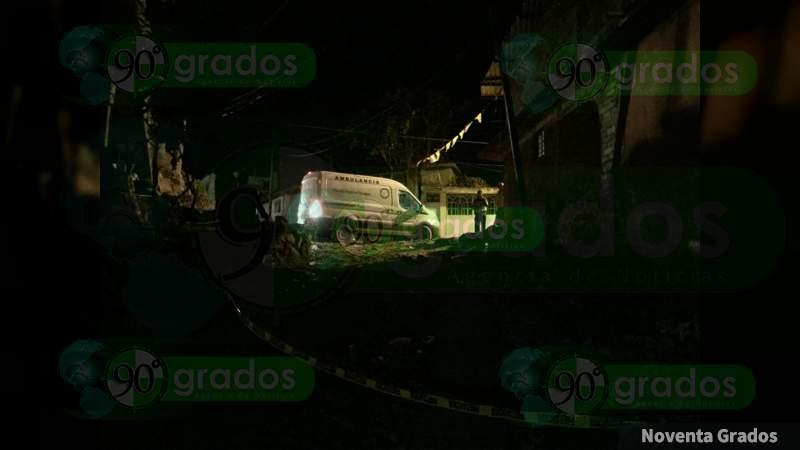 Asesinan a un hombre afuera de su casa en Uruapan, Michoacán