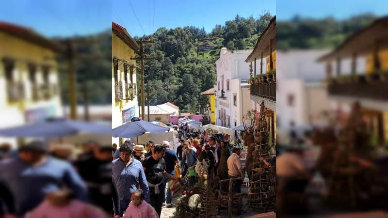 En fin de semana, la afluencia turística más grande del año en la región País de la Monarca