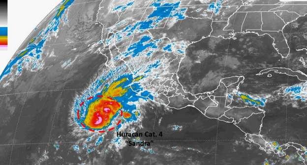 Sandra evoluciona a huracán Categoría 4