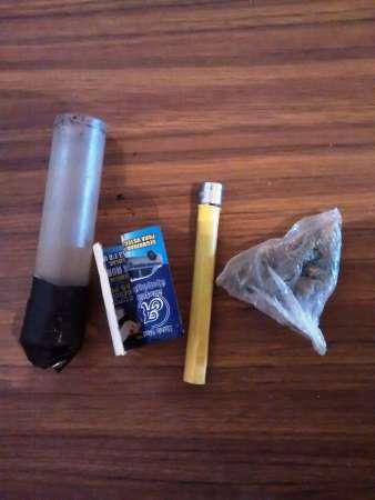 Policía Estatal detiene a dos sujetos con marihuana