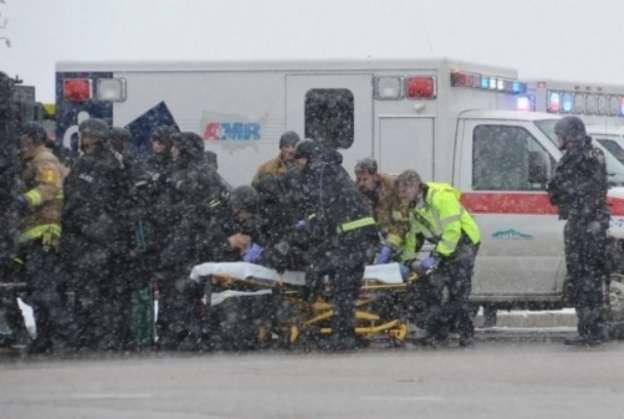 Cuatro policías heridos en tiroteo en clínica de planeación familiar en Colorado