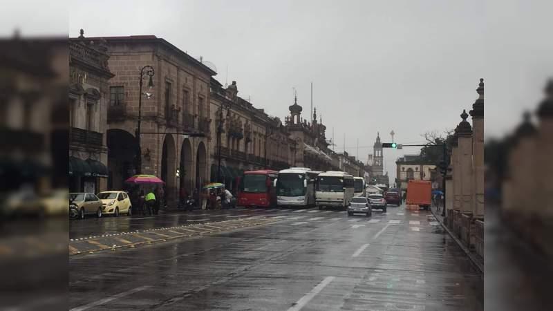 Movimiento Social por la Tierra bloquea la avenida Madero