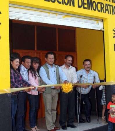 Inauguran casa del PRD municipal en Acuitzio