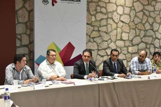 Escucha Gobernador inquietudes de los integrantes del SUTOPDSSM