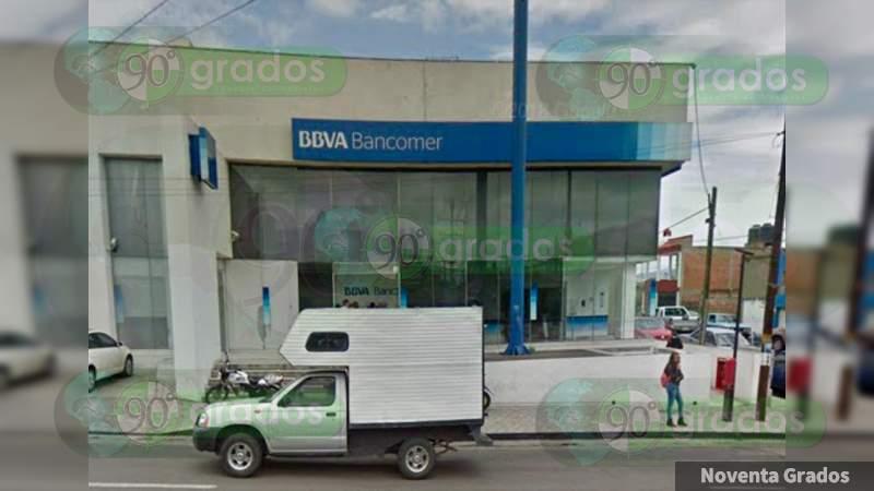 Atracan a dos cuentahabientes en la Morelos Norte de Morelia, Michoacán