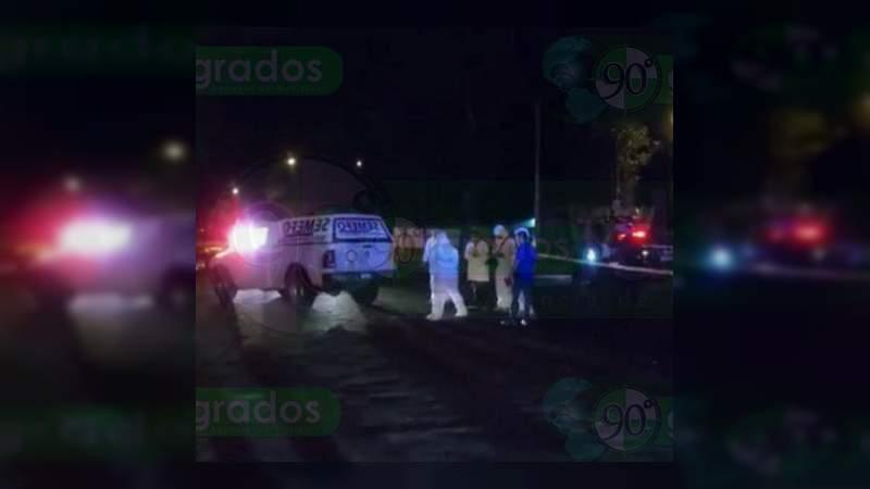 """Identifican como """"Checo"""" Licea al asesinado afuera de primaria en Apatzingán"""