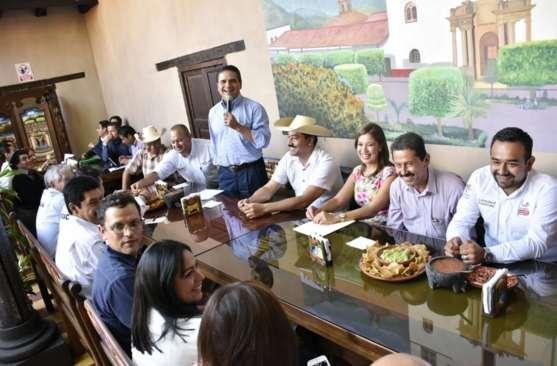 Promete Silvano Aureoles relanzar y fortalecer a los Pueblos Mágicos de Michoacán