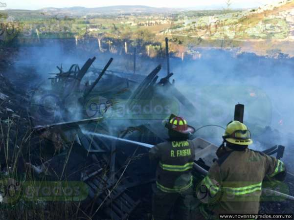 incendio consume dos viviendas en Morelia