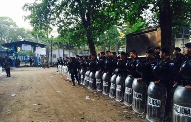 Reportan 16 muertos tras riña en una prisión de Guatemala