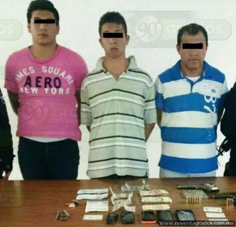 Detienen a tres presuntos secuestradores y liberan a un joven en Chilchota, Michoacán