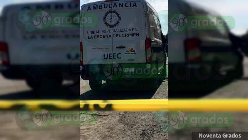Hallan cadáver colgado de un puente en Cuitzeo, Michoacán