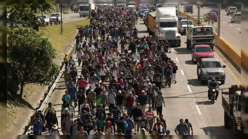 Cuarta caravana de migrantes se prepara para salir de El Salvador