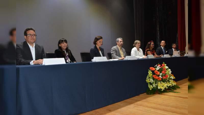 El trabajo colaborativo fortalece la función de las instituciones educativas: Medardo Serna