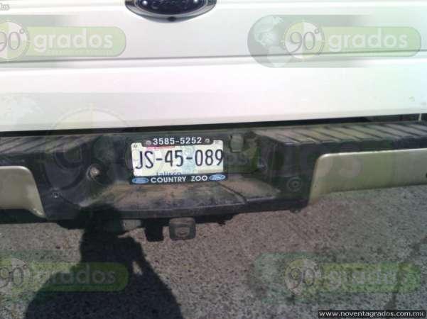 Abandonan camioneta y hallan armamento tras persecución en Zamora 6-grande