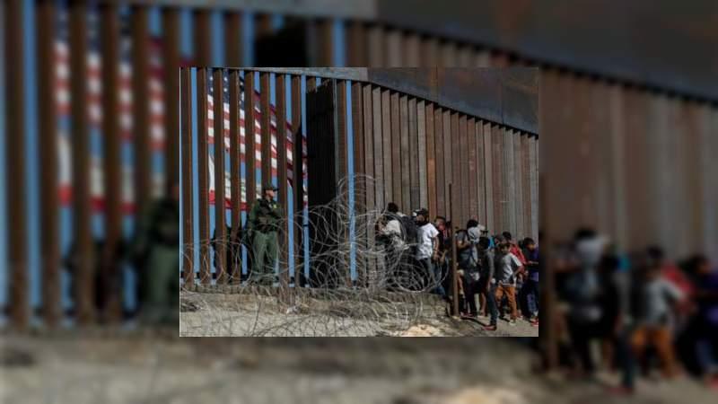 Miembros de la caravana migrante exigen 50 mil dólares para regresar a sus países