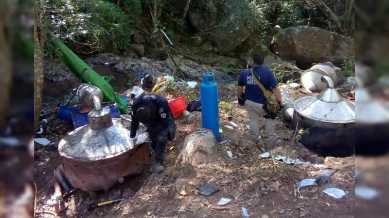 Desmantelan narcolaboratorio en Coalcomán, Michoacán