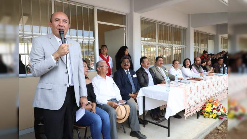 Alberto Frutis Solís, entregó primera etapa de construcción de la Escuela Secundaria Técnica 162