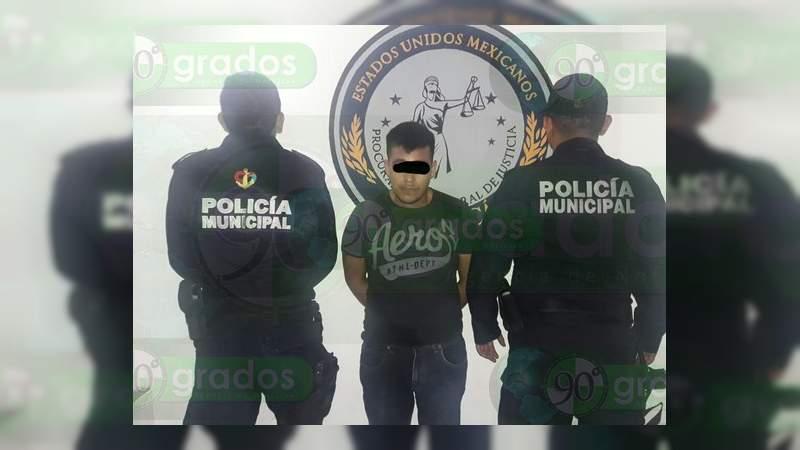 Detienen a empistolado cuando asaltaba a un taxista en Lázaro Cárdenas