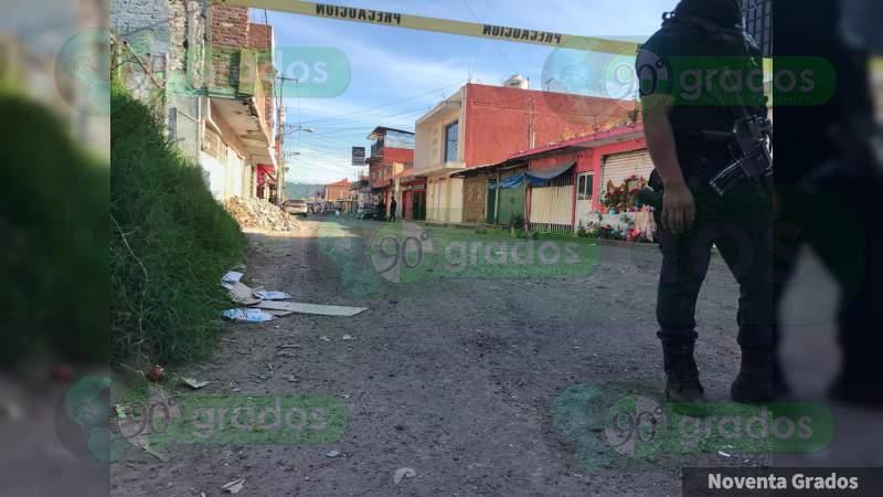 Ejecutan a balazos a dos hombres dentro de una casa, en Uruapan, Michoacán