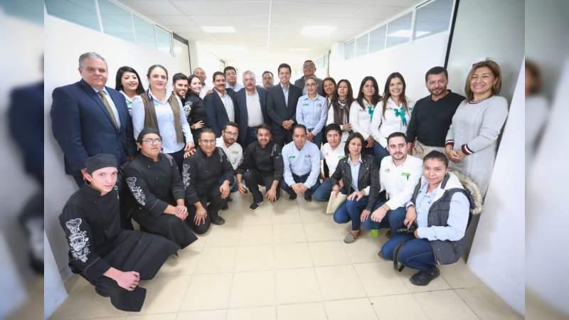 Toño García impulsará proyectos productivos para estudiantes de la Universidad Tecnológica del Oriente de Michoacán