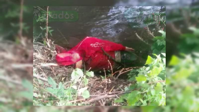 Localizan el cadáver baleado de una mujer en Zamora