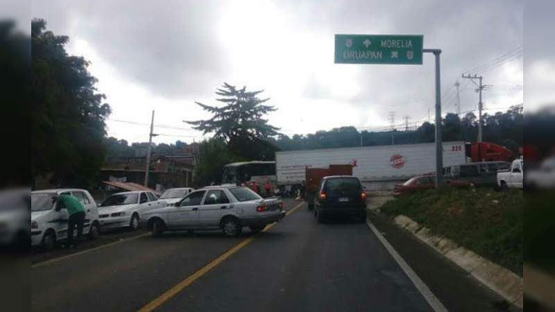Bloquearán carreteras este lunes en Michoacán